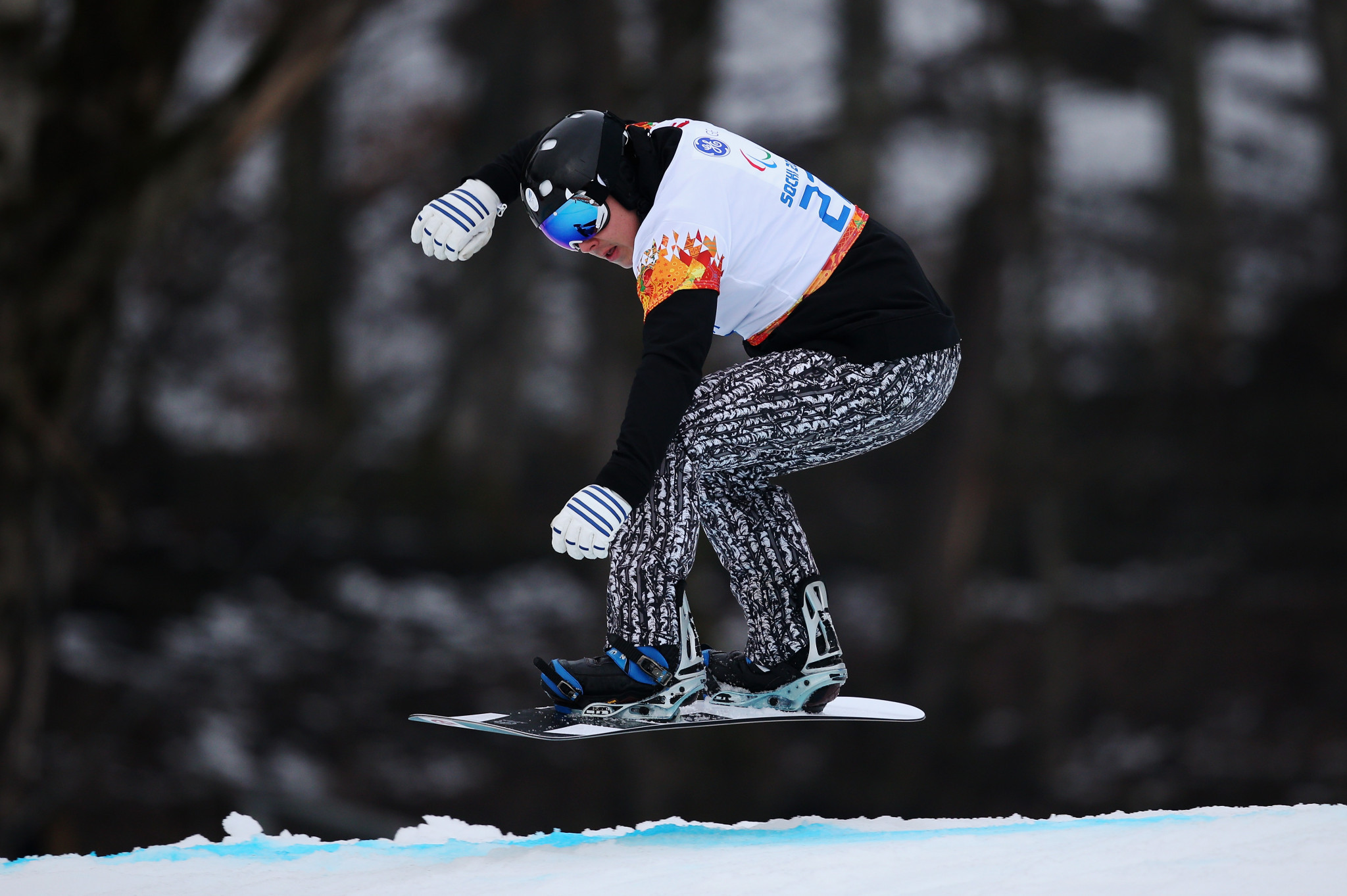 Suur-Hamari edges Shea to take victory at Para Snowboard World Cup