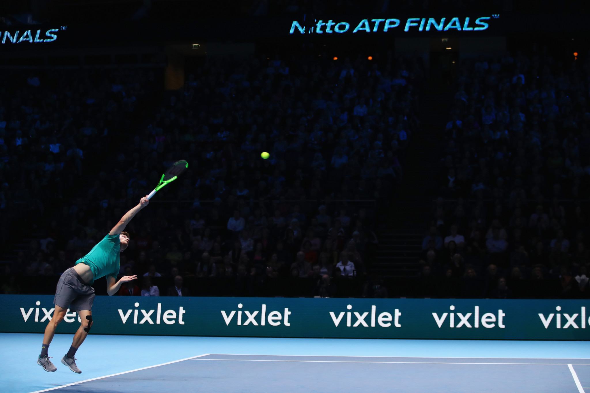 Goffin powers into last four at ATP World Tour Finals with straight sets win over Thiem