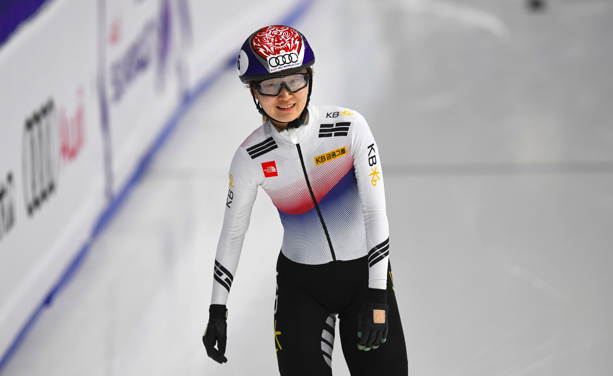 South Koreans lay down marker at Seoul ISU Short Track World Cup
