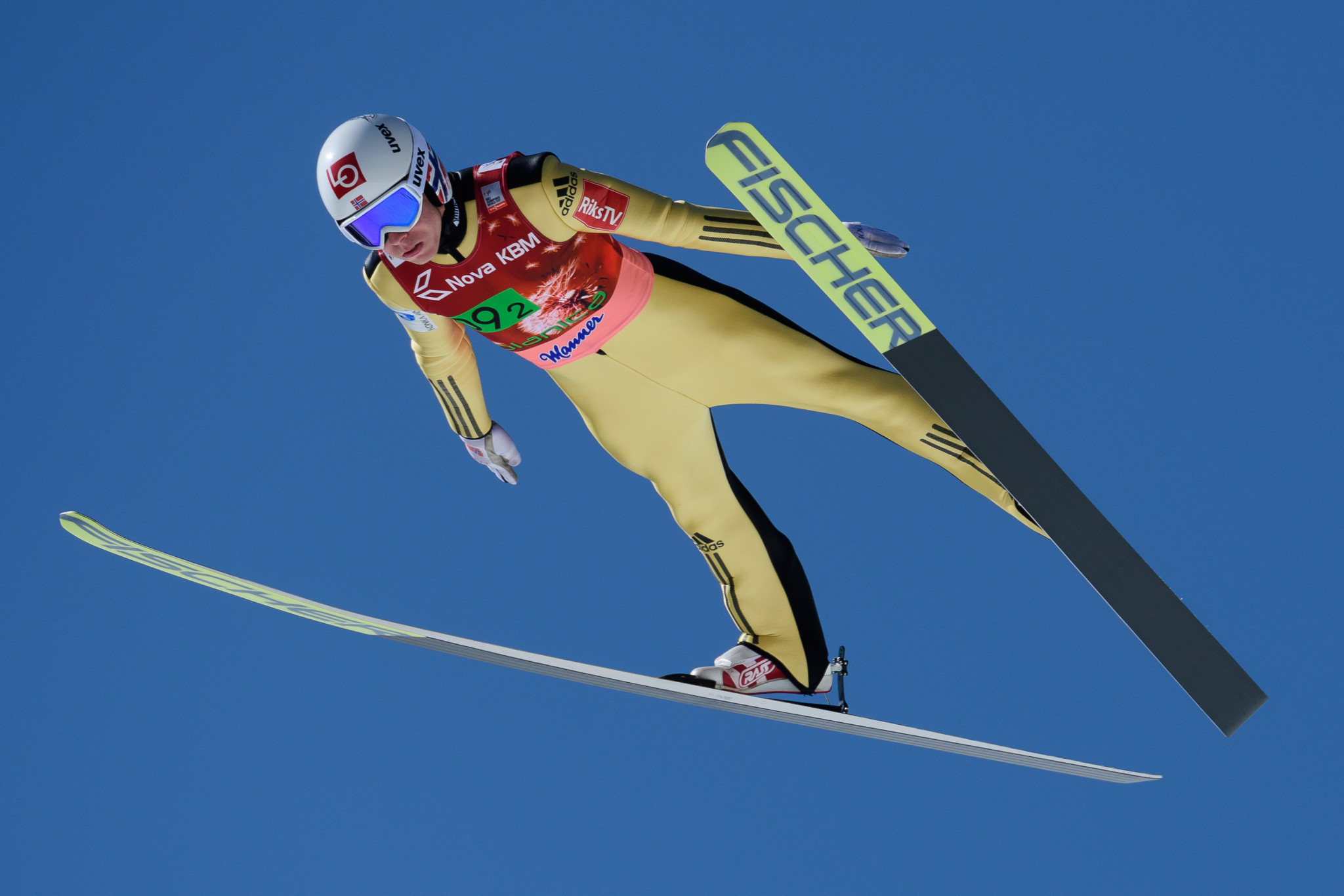 Norway win opening team event of FIS Ski Jumping World Cup season