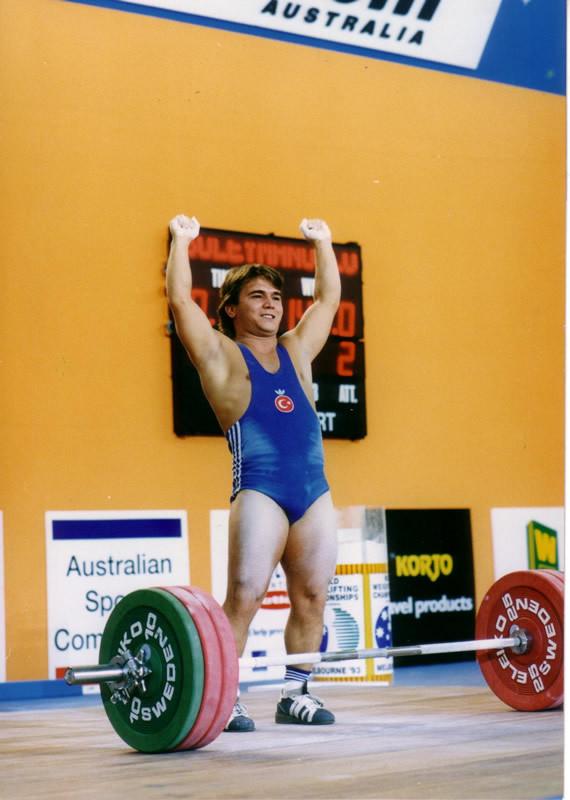 IWF offers condolences after weightlifting legend Süleymanoğlu dies aged 50