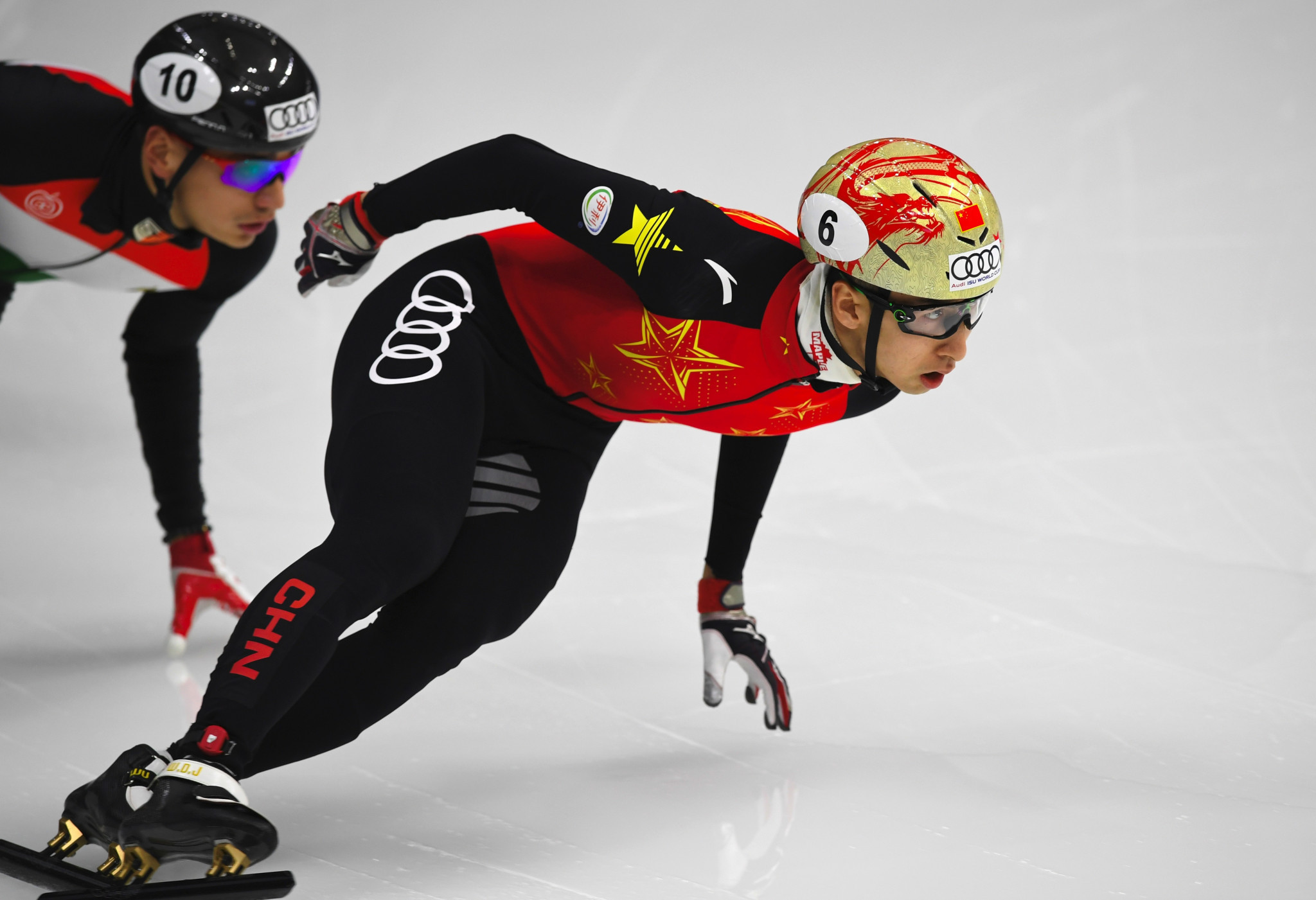 China's Olympic silver medalist Dajing triumphs at the ISU Short Track Speed Skating World Cup