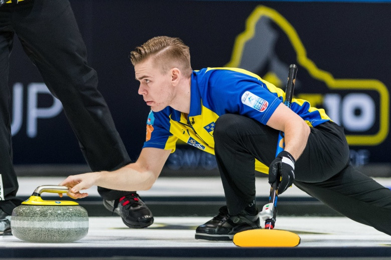 Defending men's champions Sweden booked their place in the play-off round at the European Curling Championships ©WCF