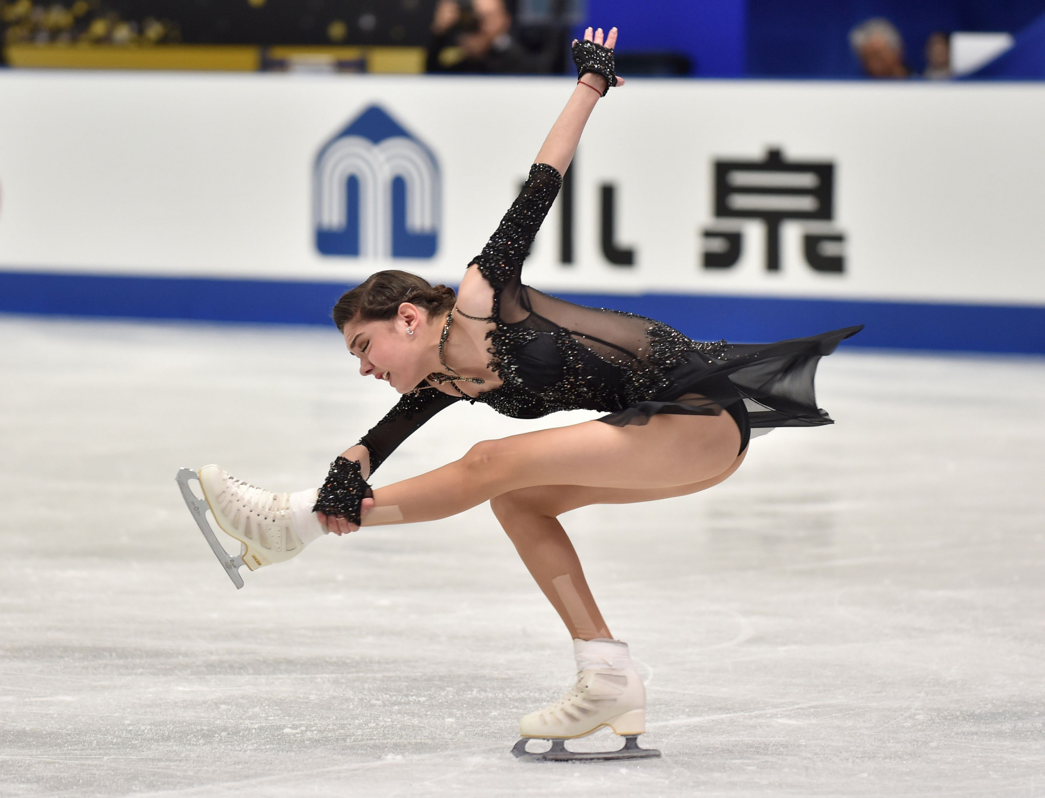 Evgenia Medvedeva could miss the ISU Grand Prix Figure Skating Final in December through injury © Getty Images
