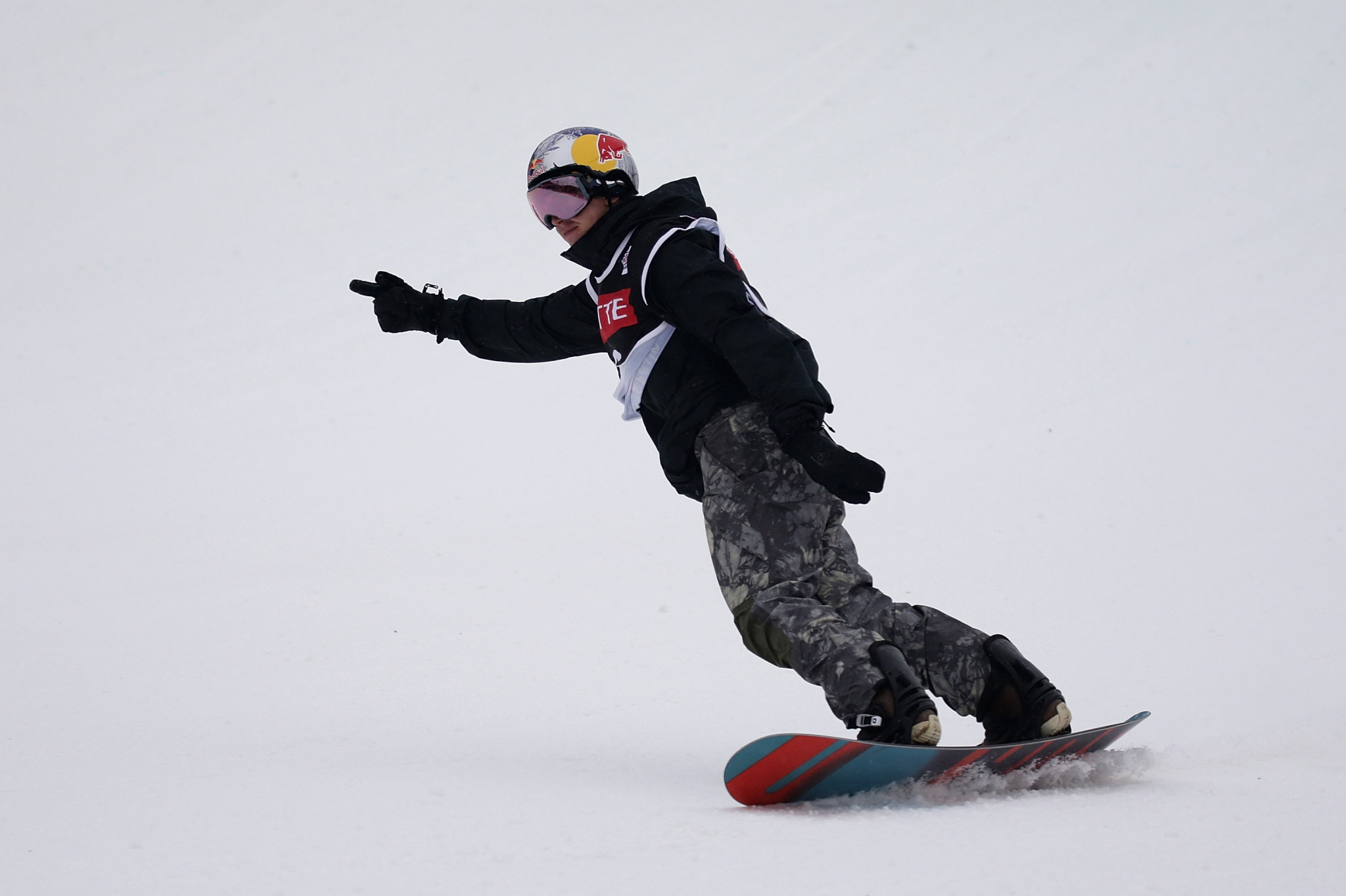 McMorris takes title at FIS Snowboard Big Air World Cup in first event since accident