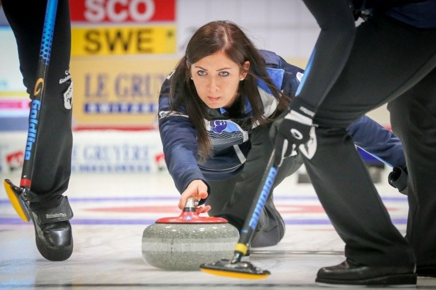 Eve Muirhead guided Scotland to a 6-3 win over Sweden in the women's final ©WCF