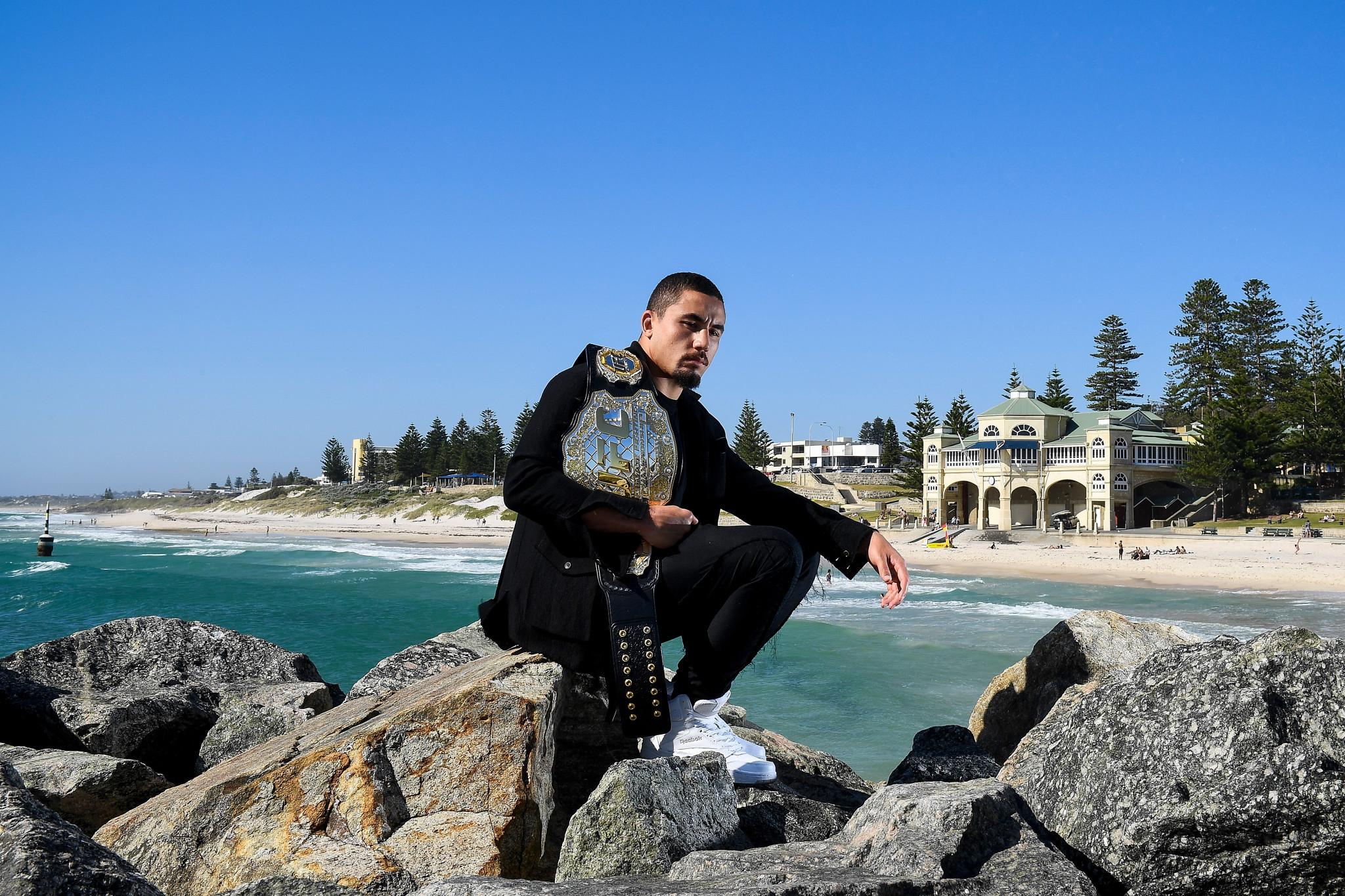 UFC star Whittaker boosts Gold Coast 2018 wrestling hopes