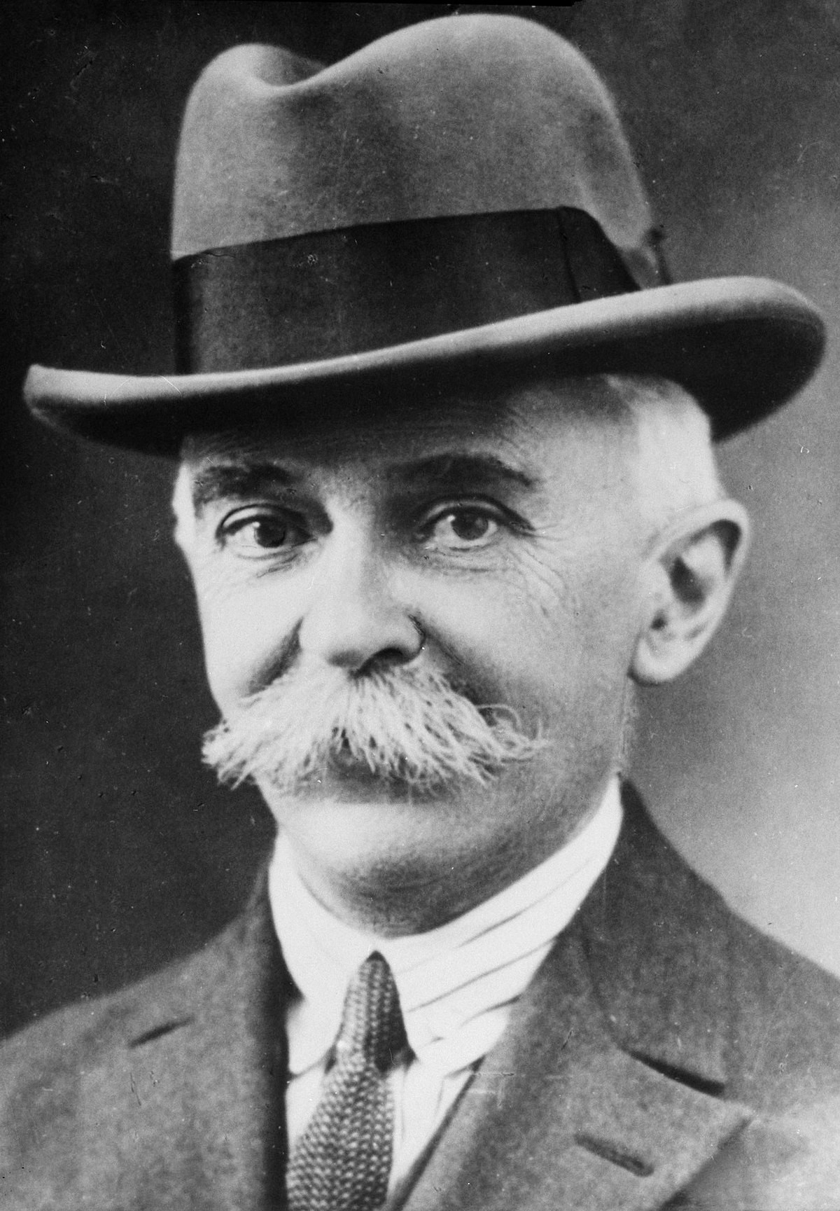 Baron Pierre de Coubertin stepped down as IOC President during World War One to serve in the French army ©Getty Images