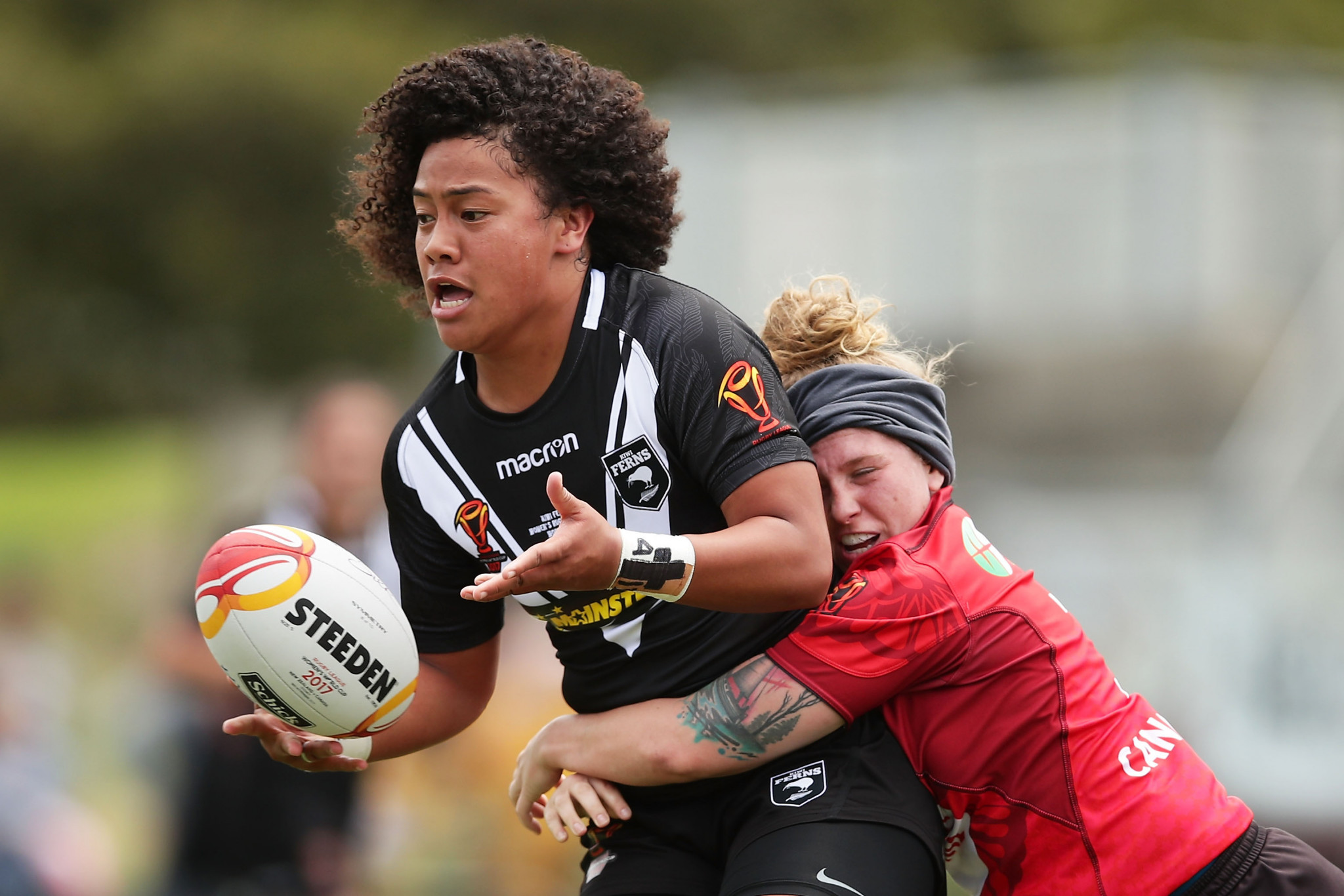 Teuila Fotu-Moala, of New Zealand, seen here in action against Canada in Sydney, picked up the female Golden Boot award ©Getty Images