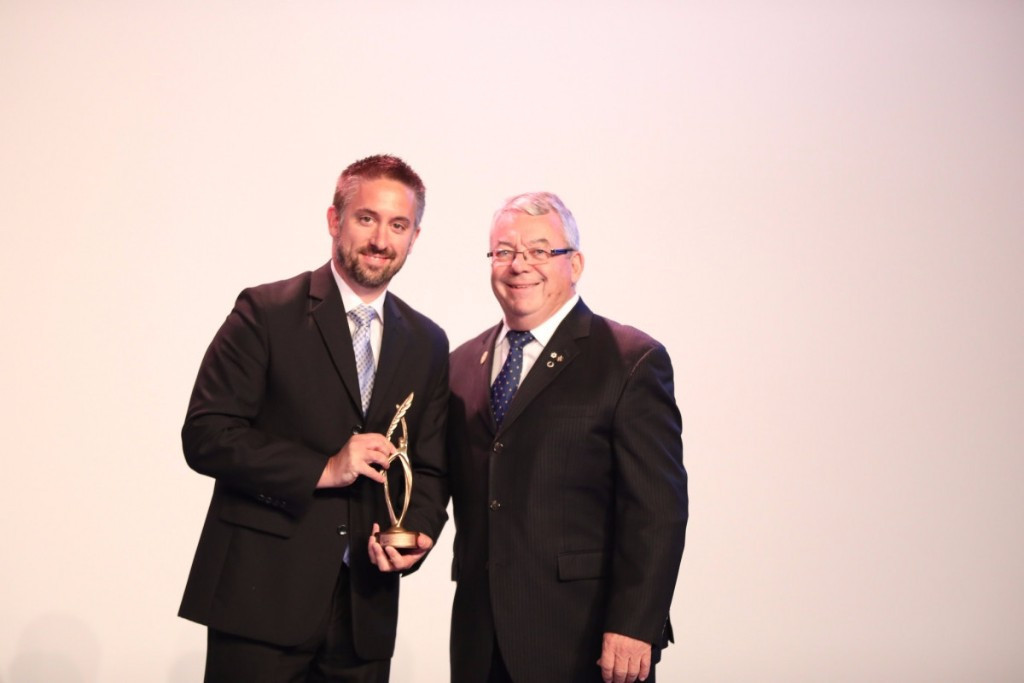 Martin Richard, left, from the Canadian Paralympic Committee, collected an award from the International Paralympic Committee earlier this year on behalf of the consortium put together to broadcast Rio 2016 ©IPC