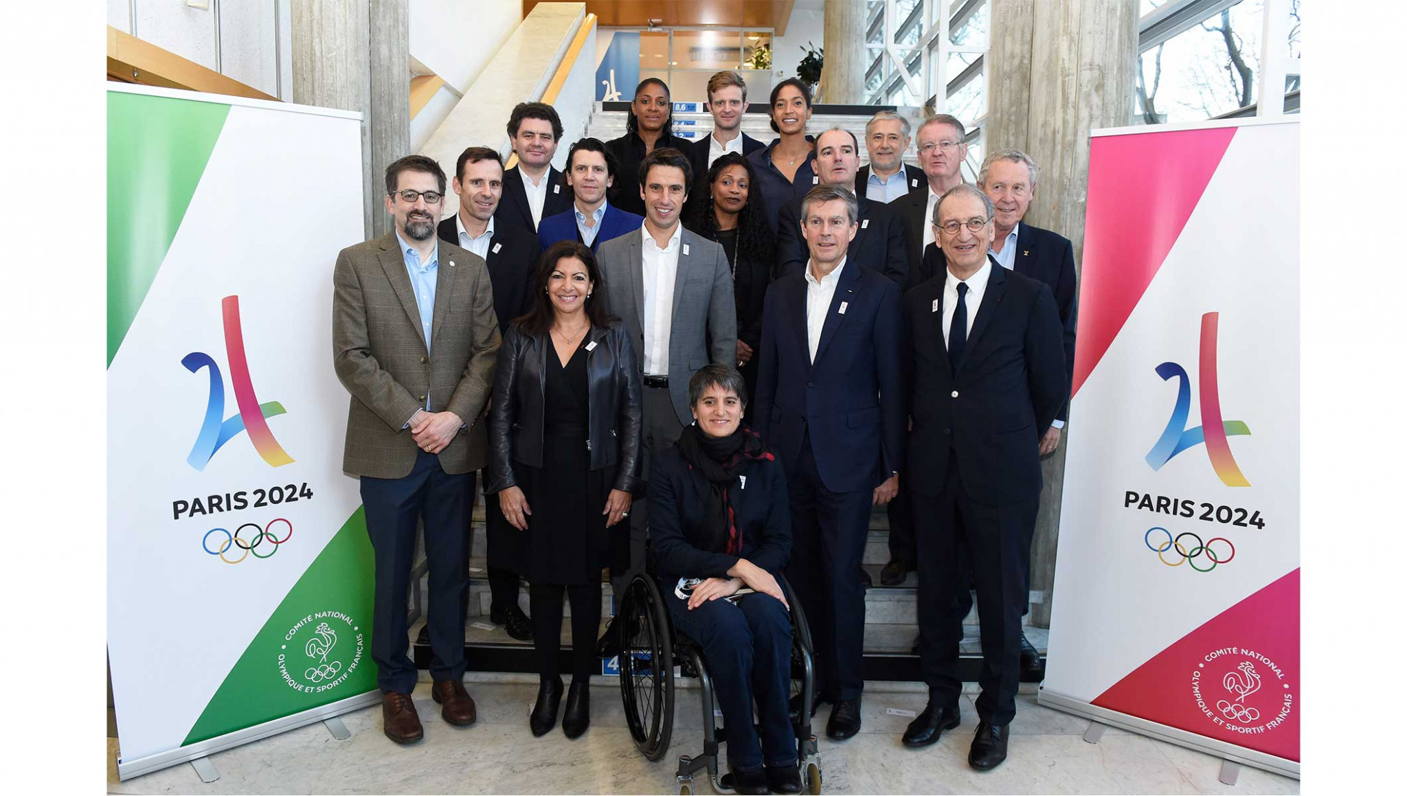 Paris Mayor Anne Hidalgo, second left front, joined the Orientation Seminar for the beginning of the meeting ©IOC
