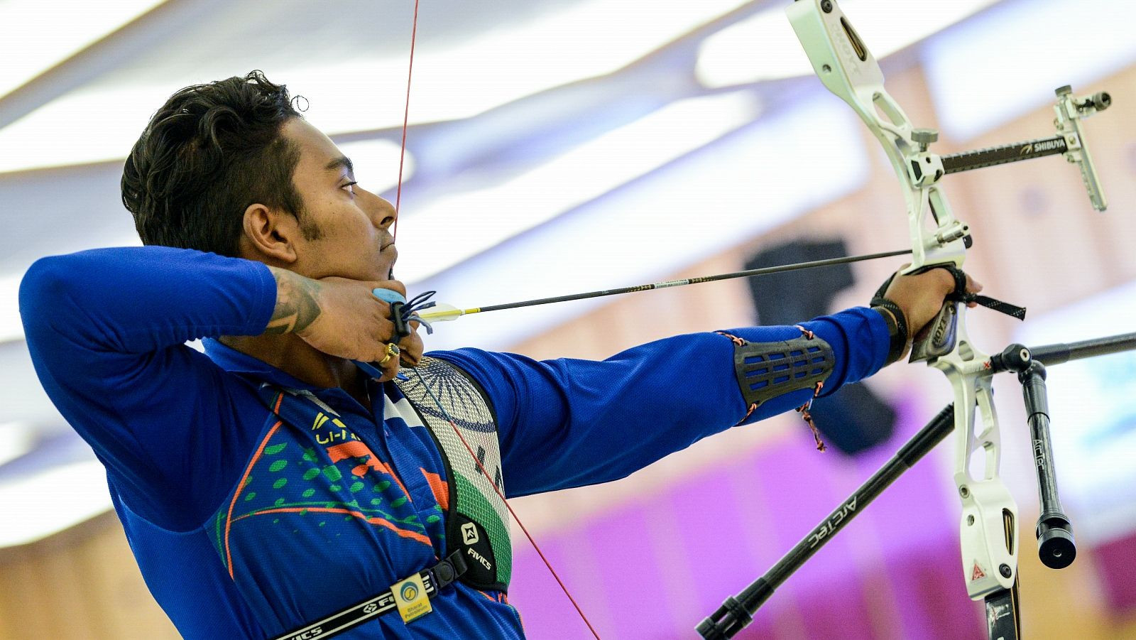 Das leads recurve qualifying at Indoor Archery World Cup