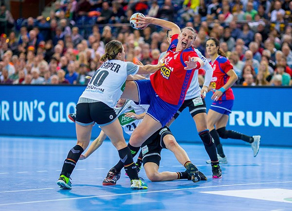 Serbia leave it late to deny hosts third consecutive win at Women's Handball World Championships