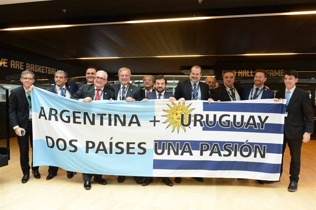 Argentina and Uruguay may have failed with their bid to host the 2023 Basketball World Cup but FIBA have given them an early opportunity to be awarded the 2027 tournament ©FIBA