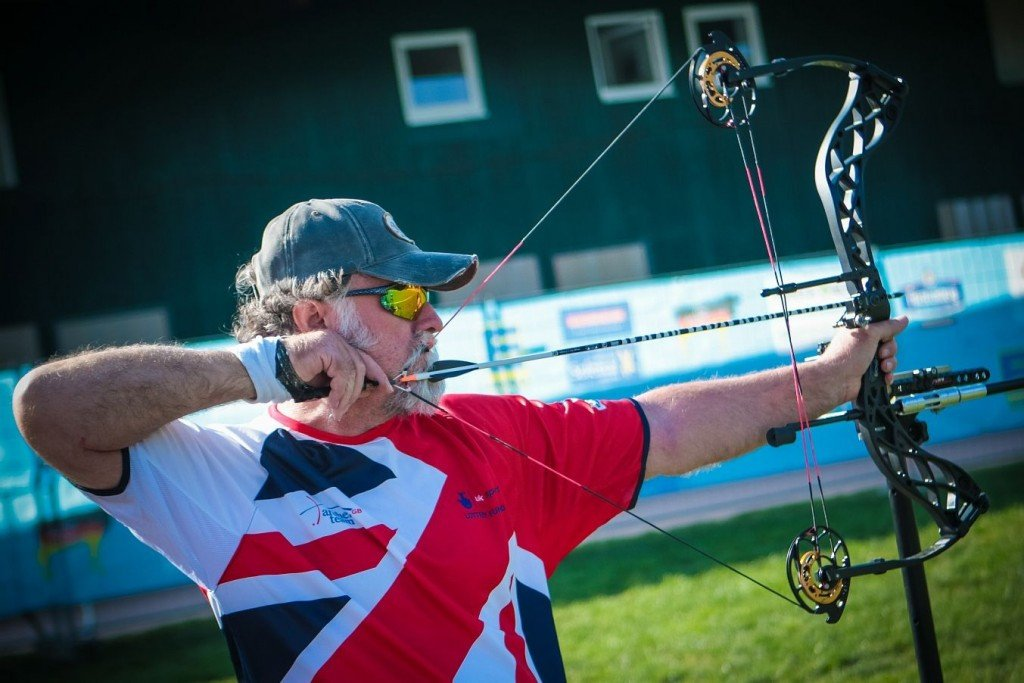 Prowse among those fighting on two fronts as visually impaired competitions return to World Archery Para Championships