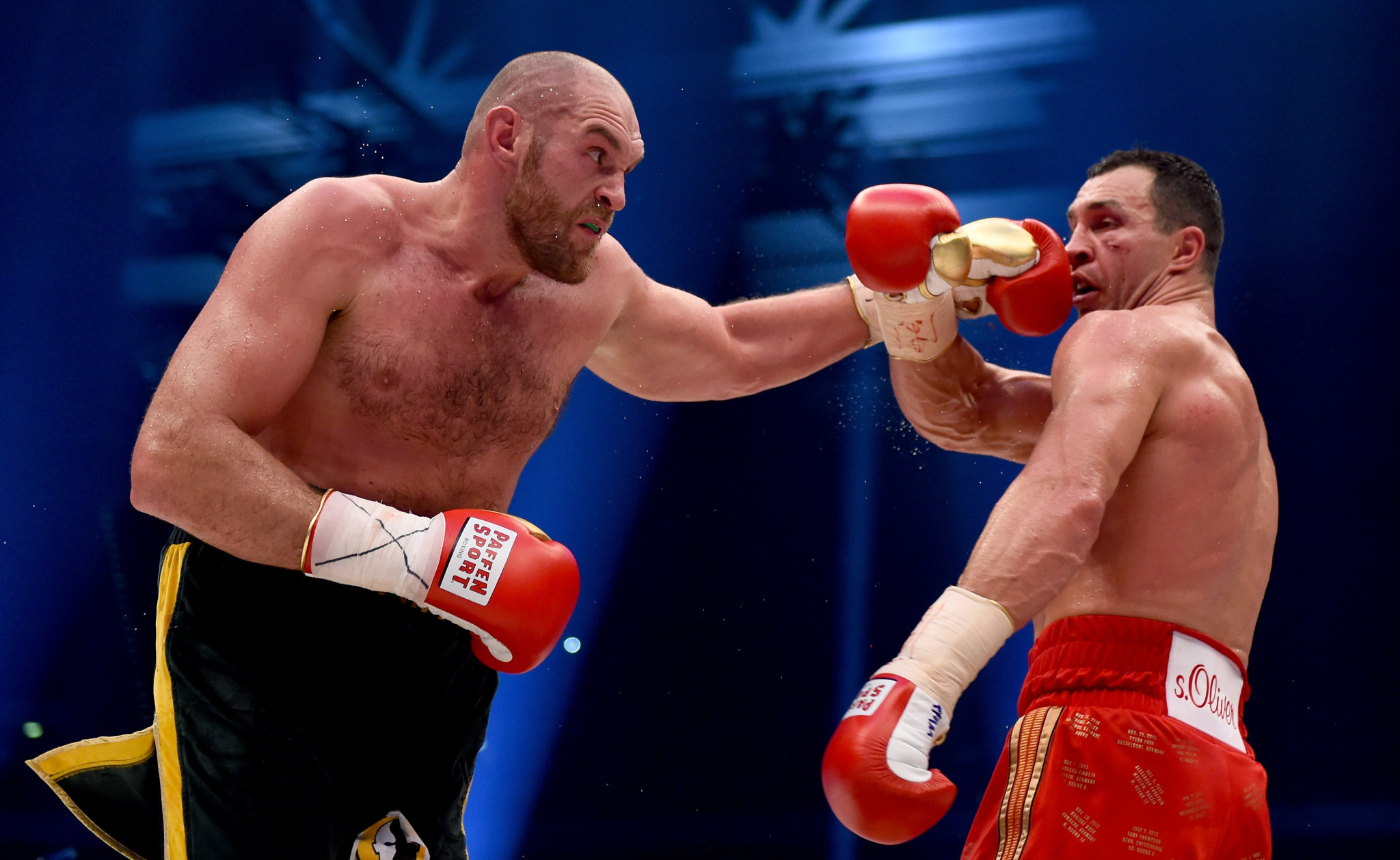 Tyson Fury, left, beat Wladimir Klitschko, right, to claim the world heavyweight title in November 2015, despite having tested positive for nandrolone nine months earlier ©Getty Images
