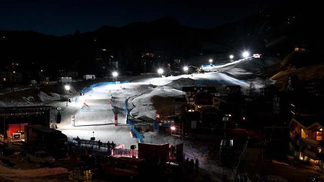 Bad weather gets the better of FIS Freestyle Ski World Cup in Switzerland