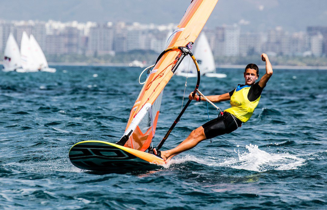 Yoav Cohen won the boy's RS:X by just a single point at the 2017 Youth Sailing World Championships ©youthworlds