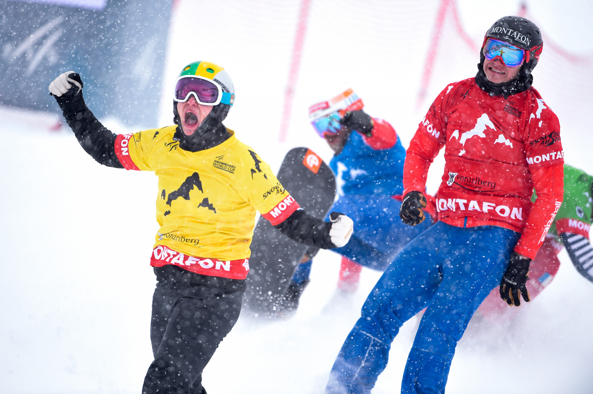 Hughes and Moioli win Snowboard Cross World Cup titles in Montafon