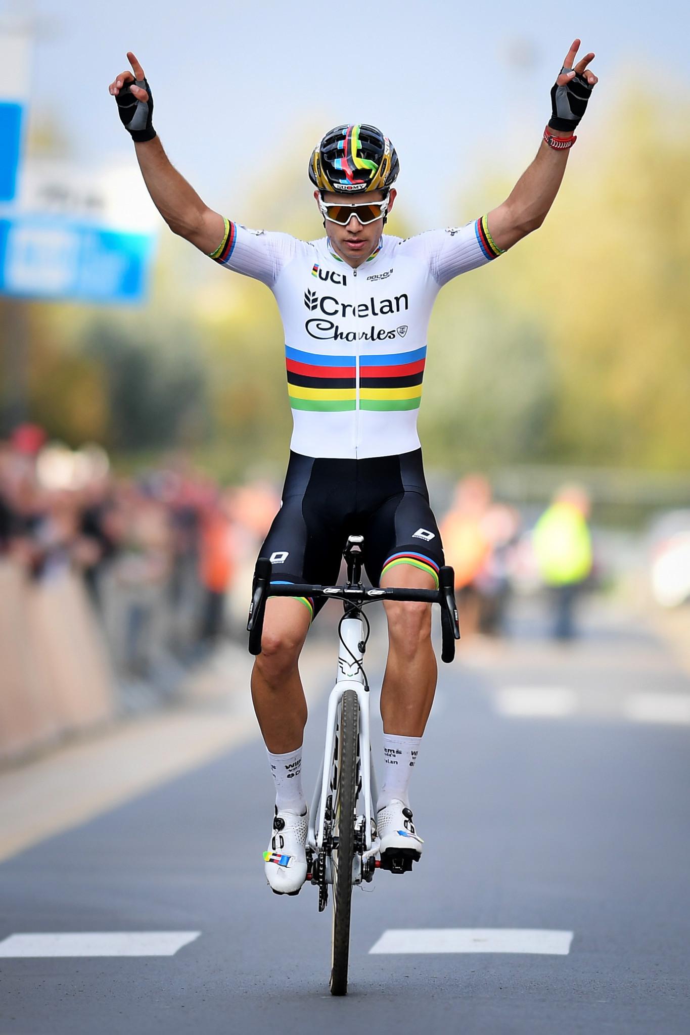 Van Aert tops men's elite podium at UCI Cyclo-cross World Cup in Namur