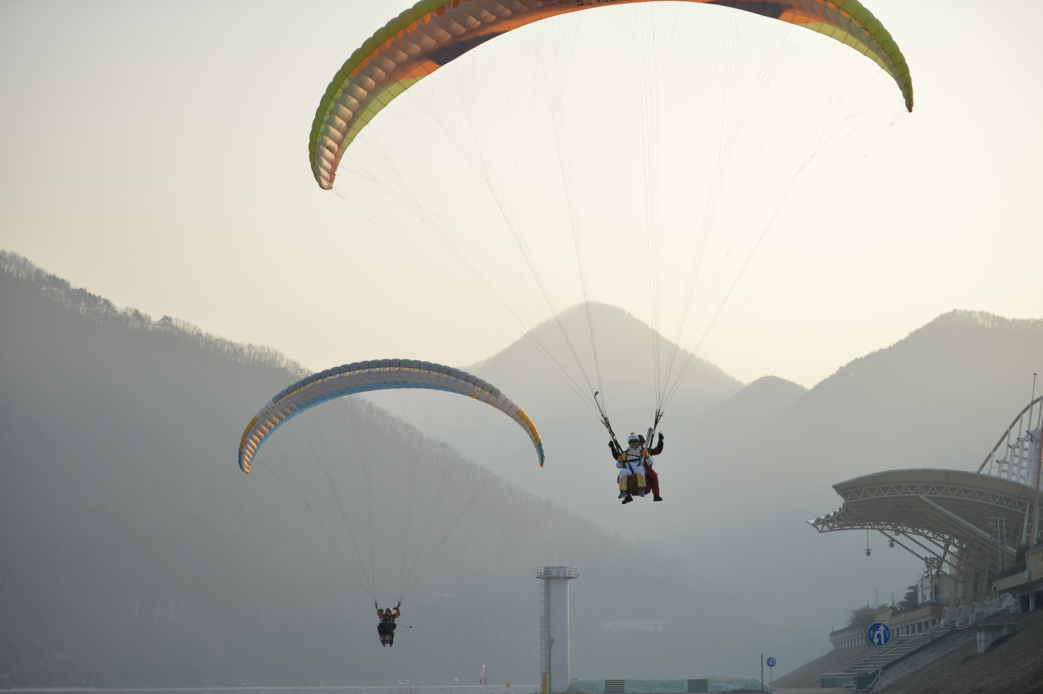 The Torch has been paragliding ©Pyeongchang 2018