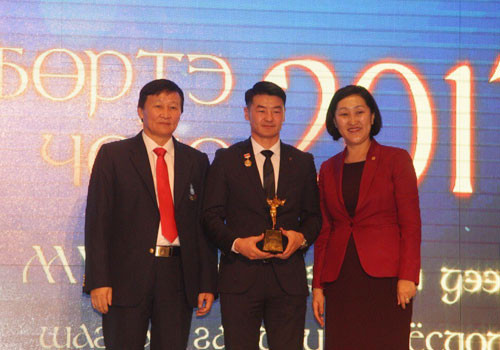 Boxer Dorjnyambuu Otgondalai was named male athlete of the year ©OCA