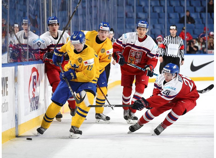 Sweden defeated Czech Republic to maintain their 100 per cent record in Group B ©IIHF