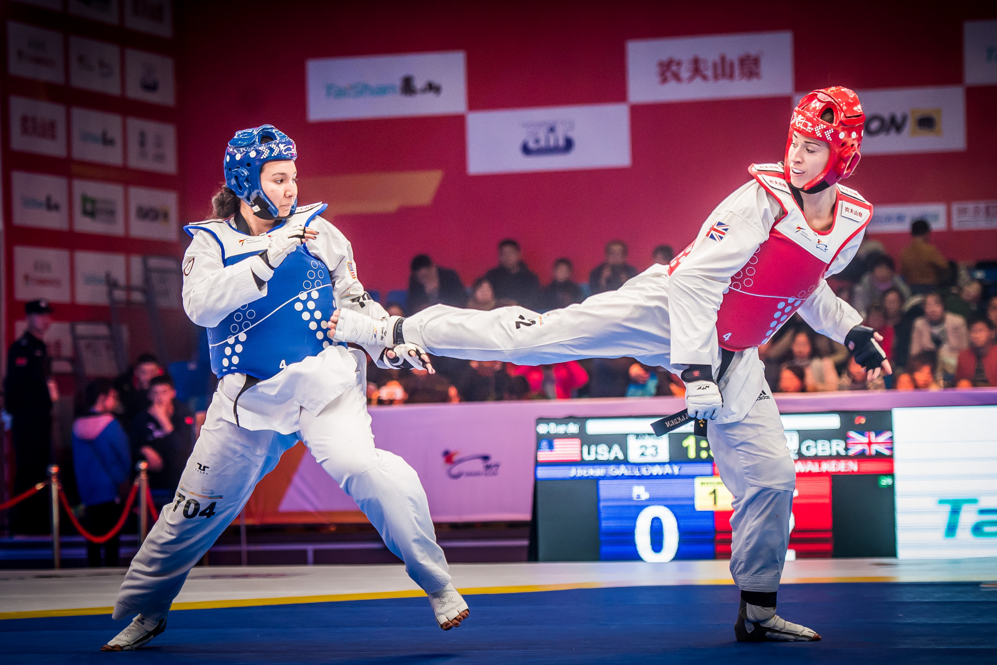 Walkden eased to a 10-2 victory over the United States' Jackie Galloway in the women's over 67kg final ©World Taekwondo