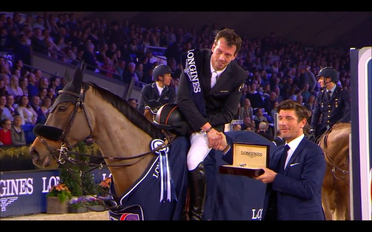 Smolders wins jump-off to claim FEI World Cup Jumping victory