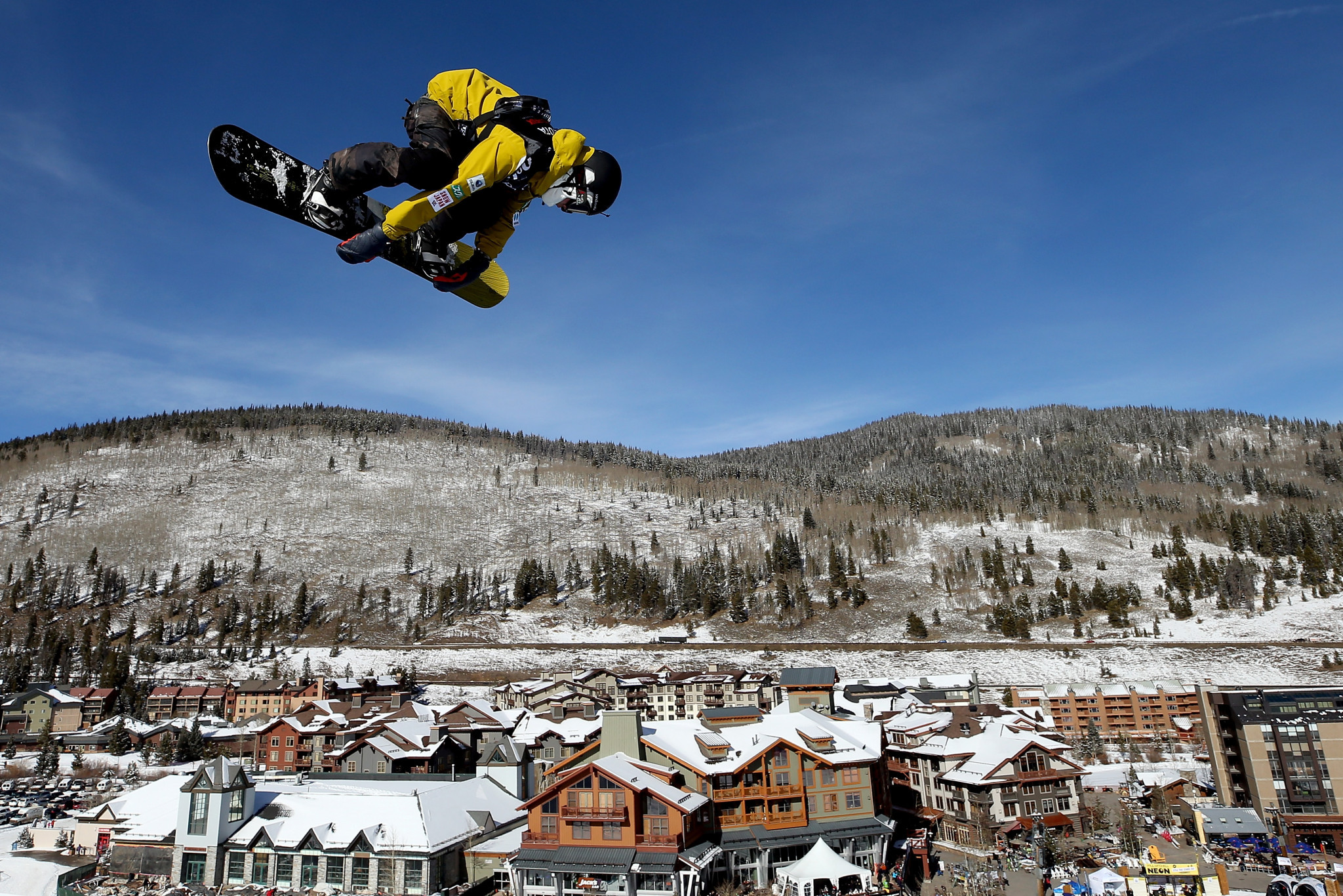 Kunitake tops weather-affected snowboard slopestyle qualification at FIS Freestyle World Cup