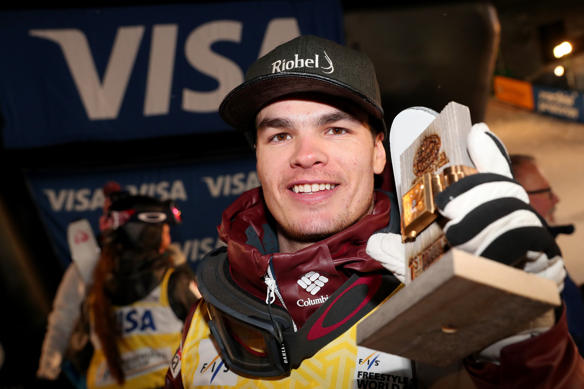 Kingsbury extends winning run at Deer Valley in FIS Moguls Freestyle World Cup