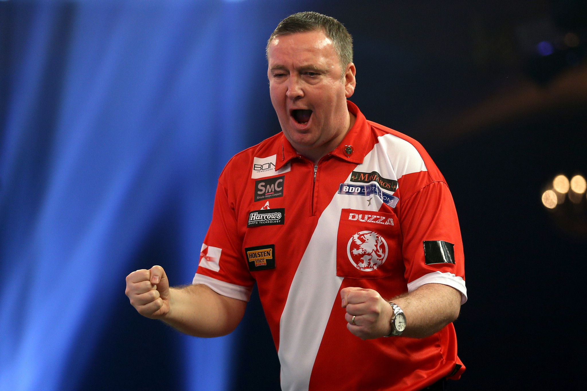 Glen Durrant. of England. celebrates a remarkable comeback at the BDO World Darts Championship at Lakeside Shopping Centre ©Getty Images