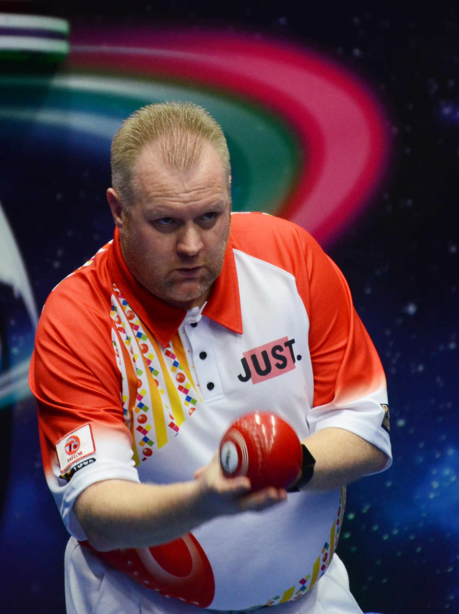 Darren Burnett won an all-Scottish men's singles match against Graham McKee today ©World Bowls Tour