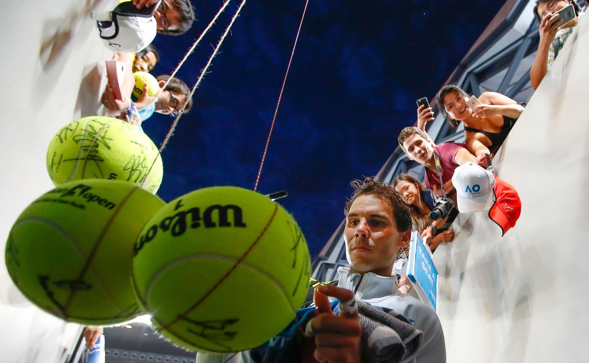 Nadal progresses in searing heat at Australian Open