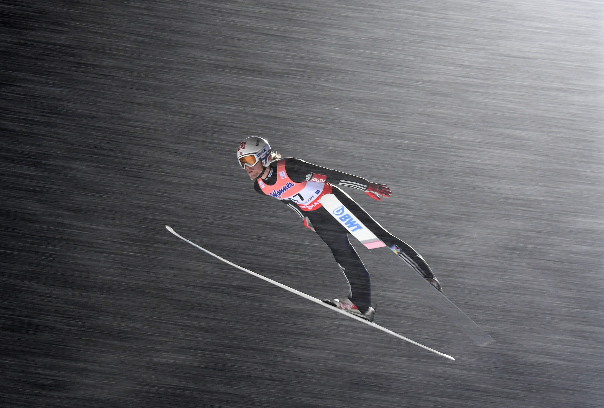 Tande leads at halfway stage of individual event at FIS Ski Flying World Championships