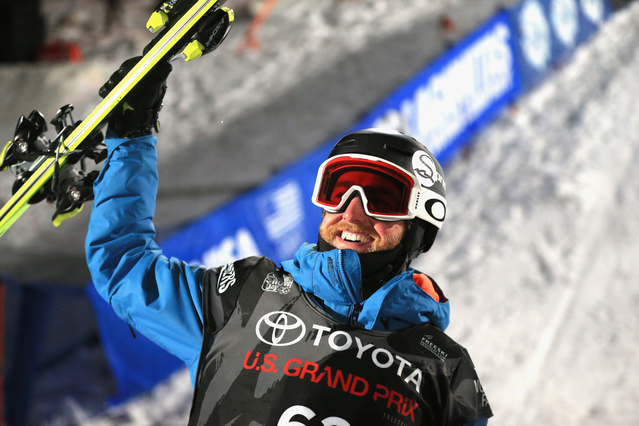 American athletes dominate on home snow at FIS Freestyle Skiing World Cup
