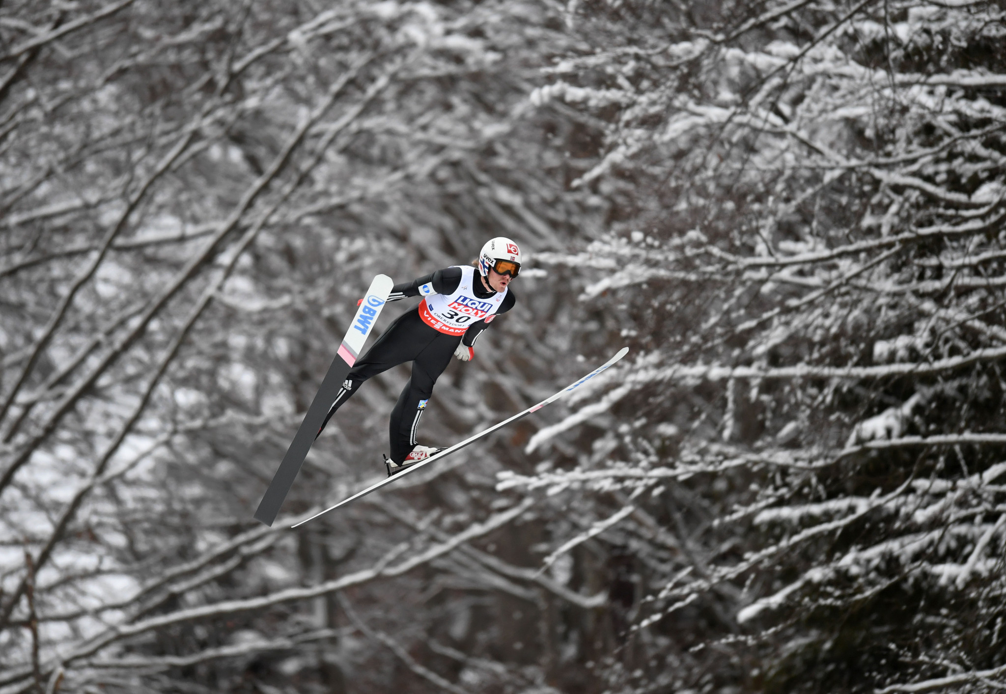 Tande takes FIS Ski Flying World Championship tile in Oberstdorf as Japan win FIS Ski Jumping World Cup team title