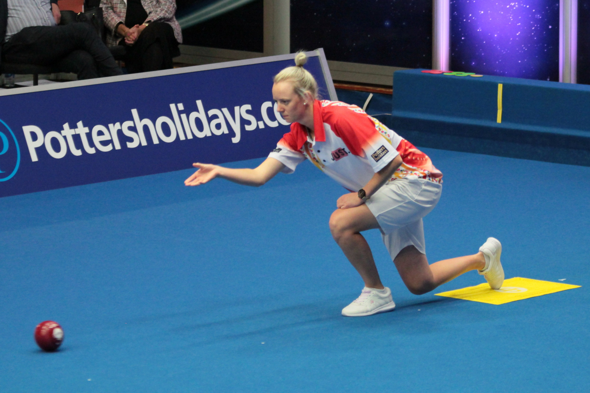 Australia's world under-25 champion Ellen Ryan was beaten on a tie break by Scotland's Lesley Doig in their quarter-final at the World Indoor Bowls Championships in Great Yarmouth ©WorldBowlsTour