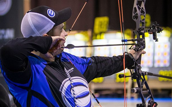 Duenas and Ellison head men's recurve qualification at Indoor Archery World Series in Rome