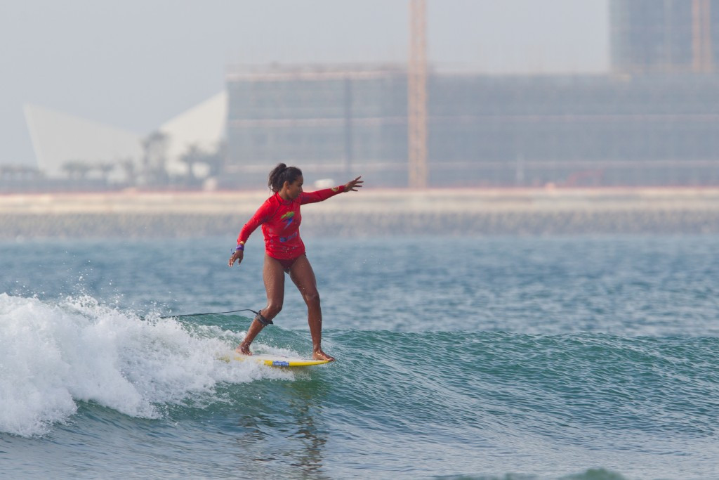 Peruvian impresses on day two at World Longboard Surfing Championships