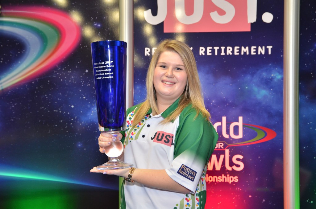 Katherine Rednall is looking to defend the women's singles title she won last year ©World Bowls Tour