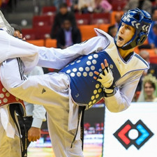 Farzan Ashour Zadeh Fallah (right) pictured battling to World Championship gold in Chelyabinsk ©WTF