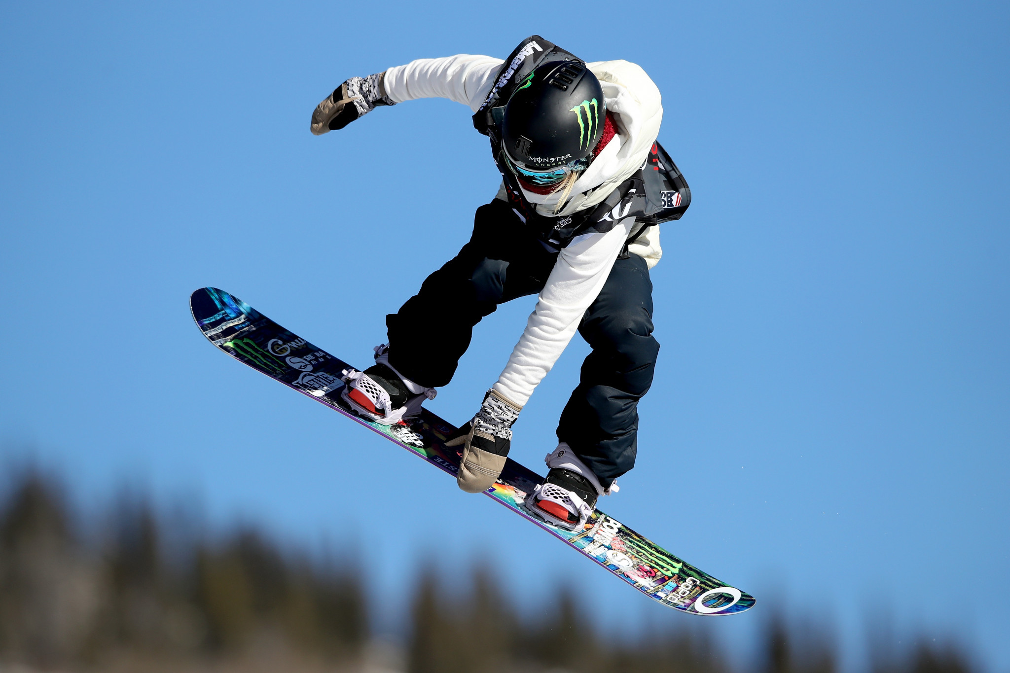 Anderson among 13 athletes named to Canada's Olympic snowboard team