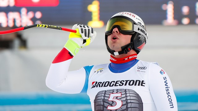 Feuz gathers awesome downhill pace with third FIS Alpine Ski World Cup win in last stop before Pyeongchang 2018