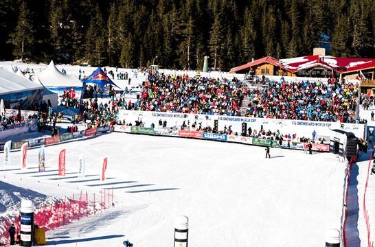 There were perfect conditions for the FIS Snowboard World Cup parallel giant slalom races in Bansko ©FIS
