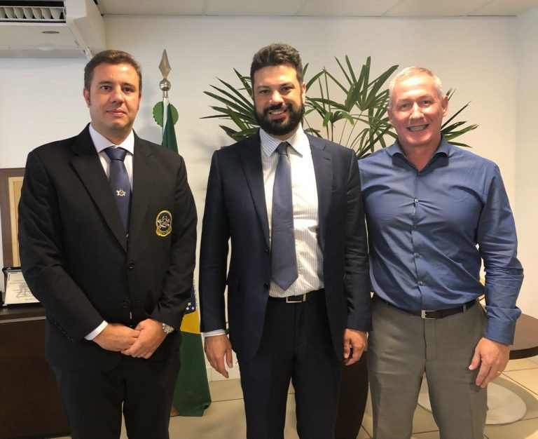 Brazilian Confederation of Fitness and Bodybuilding meet with country's Sports Minister