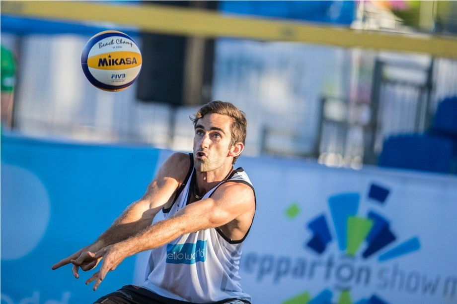 Chris McHugh and Damien Schumann, pictured, will be favourites in the men's tournament having won at Shepparton in March 2017 ©FIVB