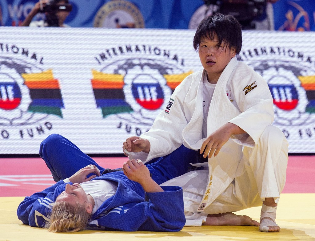 Mami Umeki continues Japanese success at 2015 World Judo Championships as top seeds endure miserable day