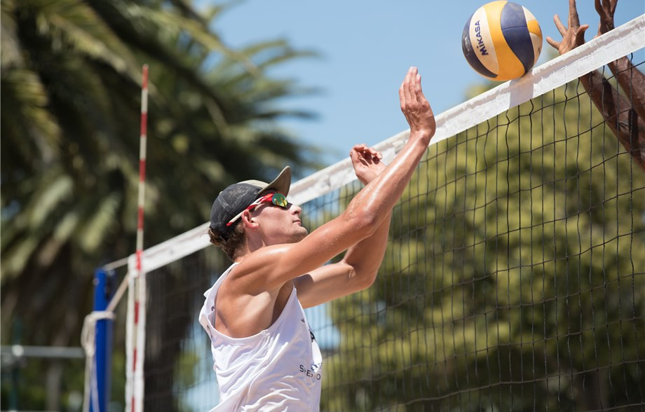 Mitchell Wakefield, pictured, and partner Justin Schumann were the only Australians to come through qualifying ©FIVB