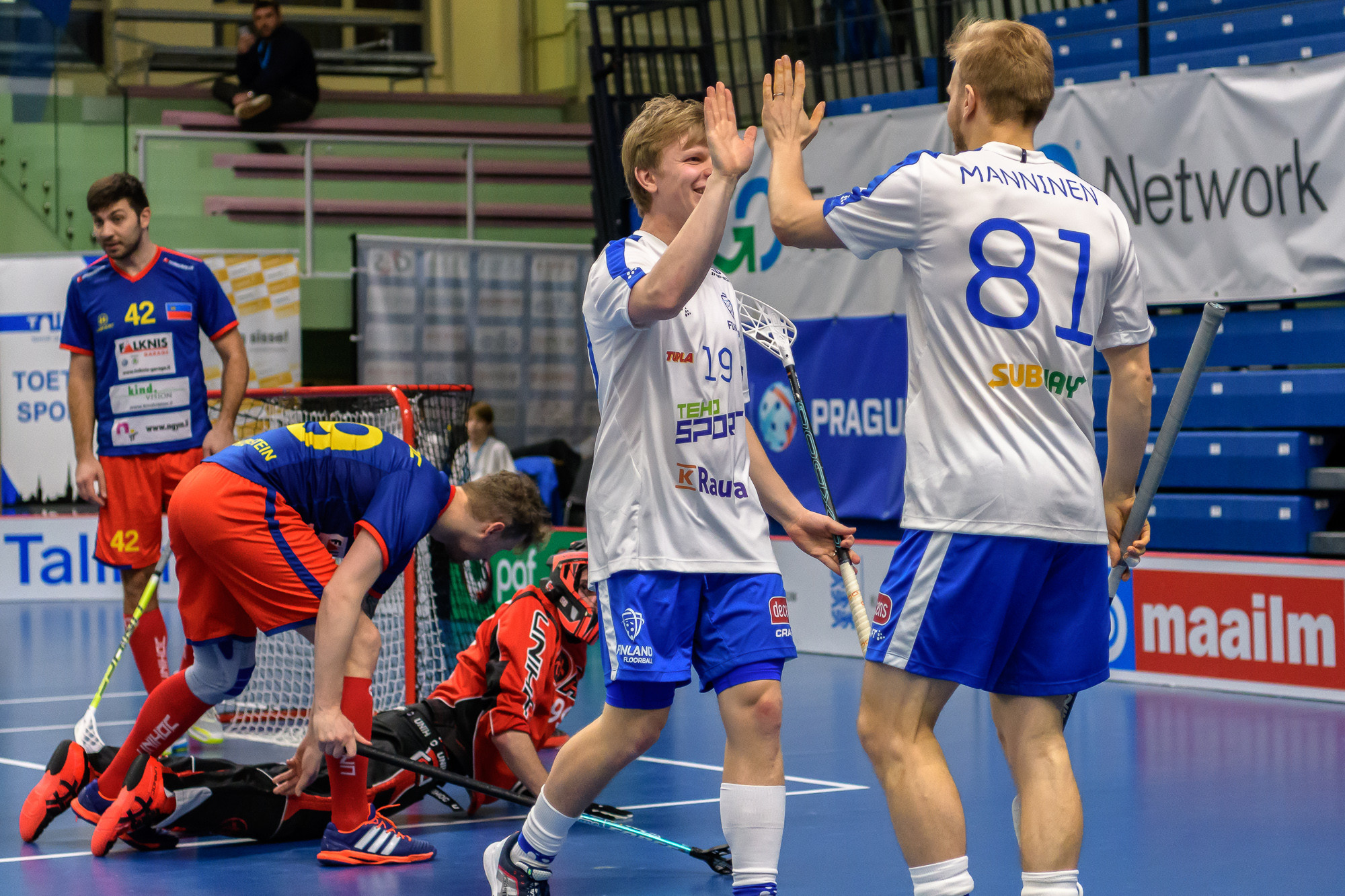Switzerland and Finland record dominant victories at IFF European Floorball World Championship qualifiers